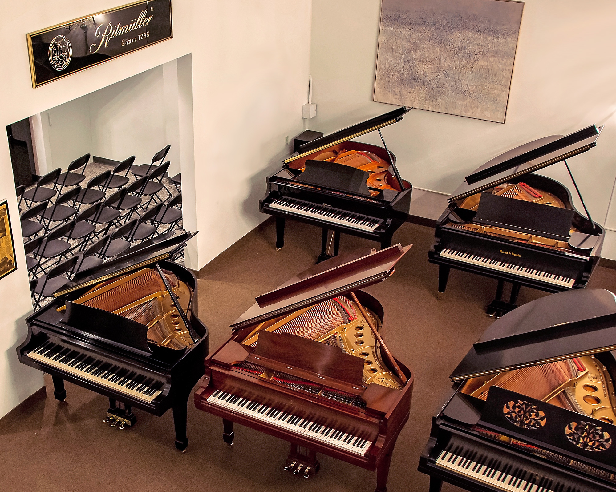 piano-showroom-1